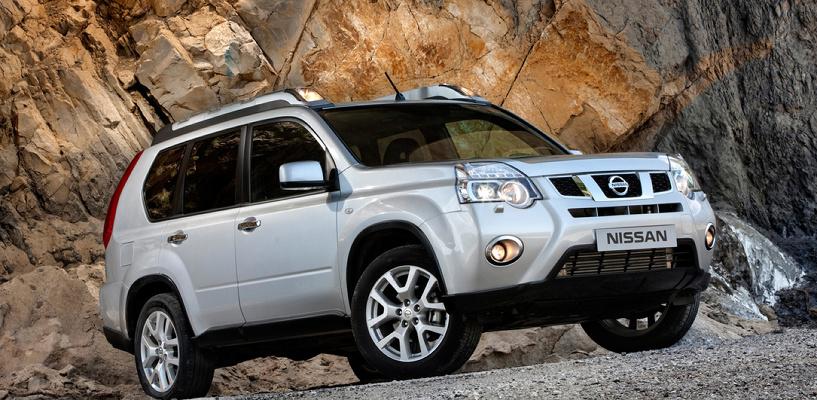 Главе Калачинского района подыскивают Nissan за 1,5 млн рублей