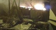 Из горящего дома в Омской области вынесли спящую пенсионерку