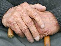 В Омской области мужчина инсценировал самоубийство 81-летней старушки