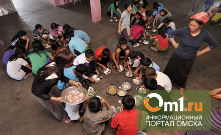 В Индии более 20 детей умерли из-за школьного обеда