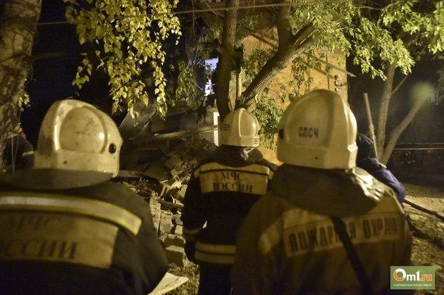Двое пострадавших при взрыве бытового газа в Омске находятся в тяжелом состоянии