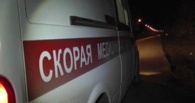 В Омской области автомобилист сбил двух парней на мокике и скрылся