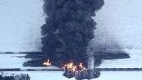 В США сошел с рельсов и загорелся поезд с нефтью