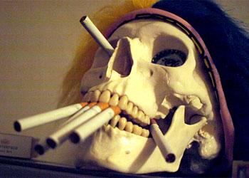 В Омске в продажу поступили сигареты с демотивирующими картинками