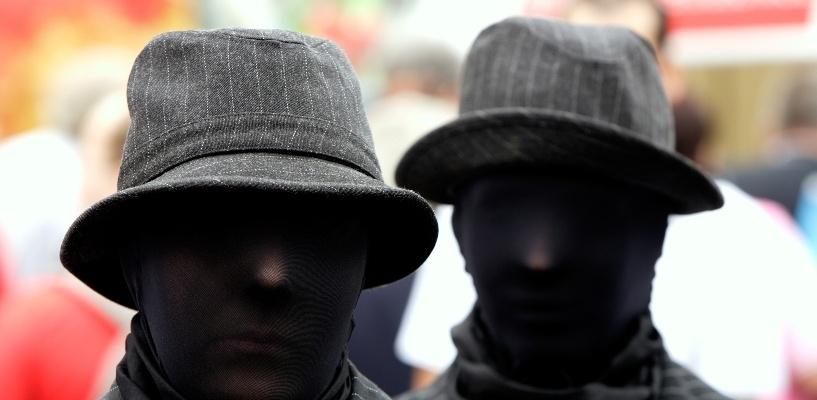 В Омске грабитель «пошел на дело» на соседнюю со своим домом улицу