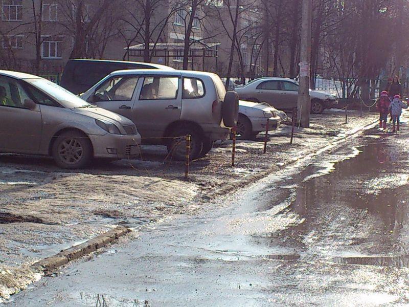 В центре Омска ликвидировали незаконную стоянку автомобилей