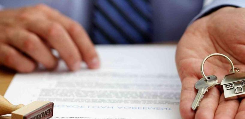 В Омске будут судить экс-инспектора ГИБДД за мошенничество с квартирами
