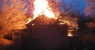 В Омске во время пожара чуть не погибла пожилая супружеская пара