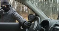 В Омске молодой парень угнал машину, чтобы покатать своих друзей