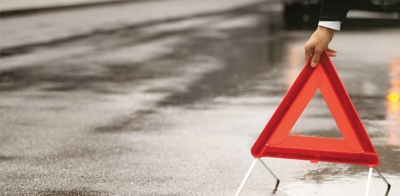 В Омской области в ДТП на трассе погибли два человека и один пострадал