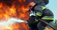 Пожар на 4-й Челюскинцев в Омске распространился на 100 квадратных метров