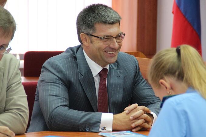 Денисенко поблагодарил Назарова за «неуклюжий» пиар