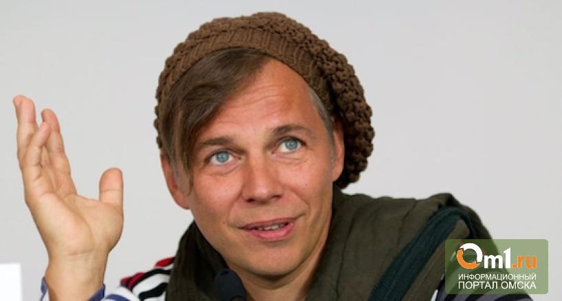 Омский микроминиатюрист мечтает о волосе с головы Ильи Лагутенко