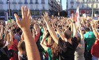 В Мадриде тысячи протестующих требуют отставки правительства