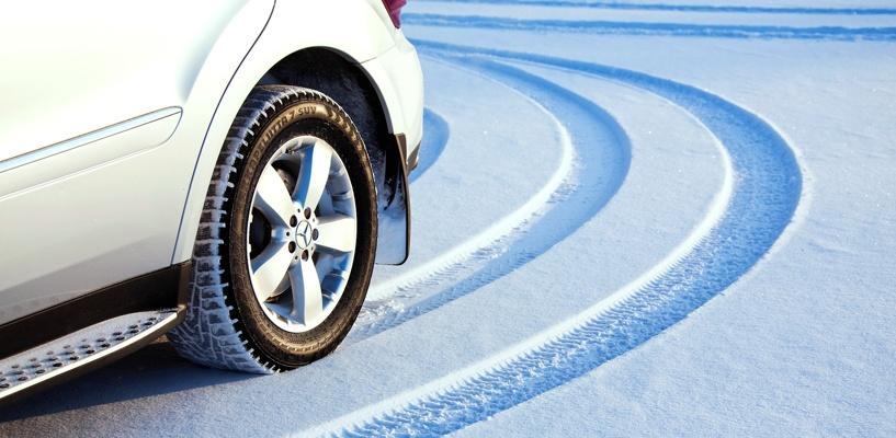 В России вступил в силу закон, запрещающий использовать летнюю резину зимой