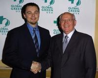 Горбачев поможет Ди Каприо снять фильм о распаде Советского Союза