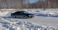 Автоледи дрифтовали на льду в Омской области