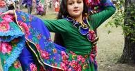 В День города омичи смогли отведать настоящие баурсаки и побывать на традиционной цыганской свадьбе