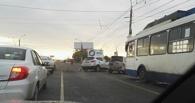 В Омске у «Торгового города» столкнулись четыре машины