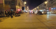В Омске автомобиль врезался в мотоциклиста