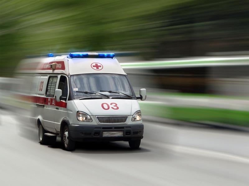 В Омске молодой водитель на грузовике насмерть сбил женщину