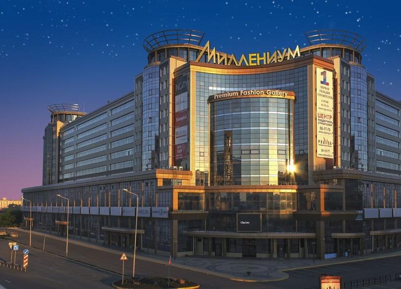 В Омске трехлетний малыш гулял по крыше ТК «Миллениум»