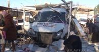 Водитель маршрутки, протаранивший церковную лавку в Омске, скрылся с места аварии