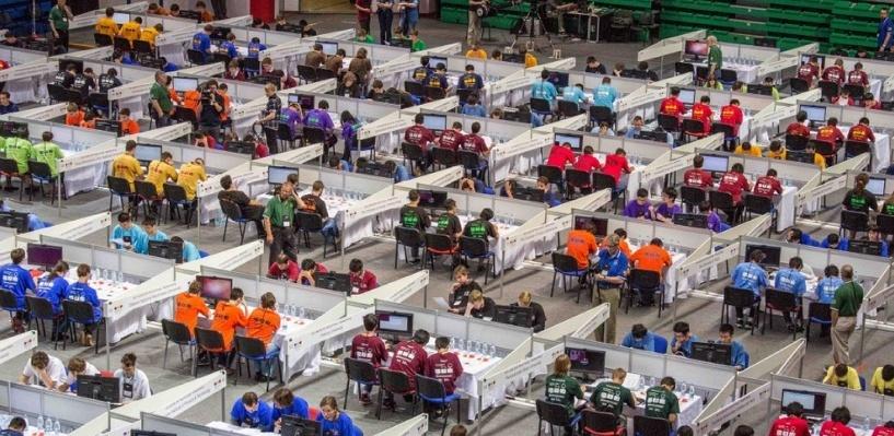 Взяли пять из десяти призовых мест: российские студенты выиграли чемпионат мира по программированию