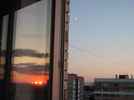 В Омской области из окна выпал 2-летний ребенок