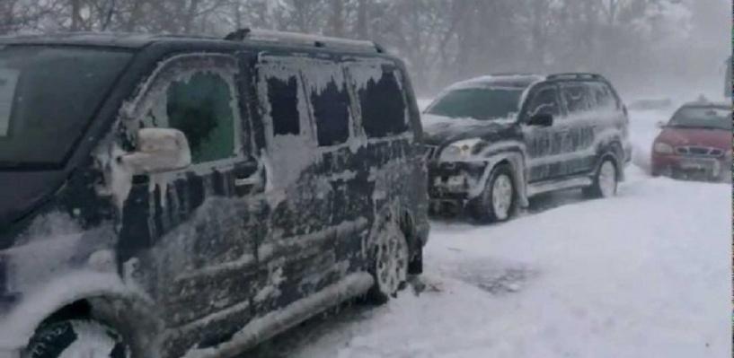В пробке под Оренбургом водитель погиб от переохлаждения