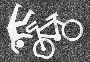 На Левобережье Омска велосипедист погиб под колесами Mazda