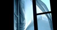 В Омске из окна выбросилась 55-летняя женщина