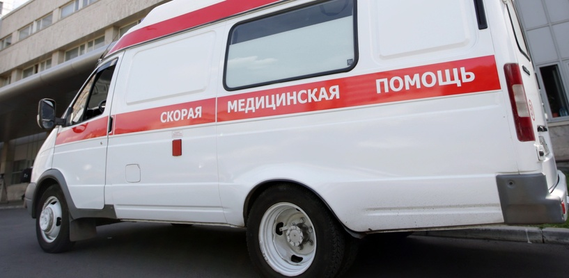 В Омске иномарка врезалась в машину скорой помощи