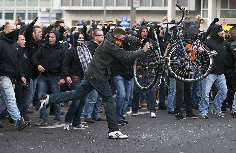Националисты устроили погромы в немецком Кельне