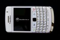Спецслужбы США научились проникать в любые смартфоны