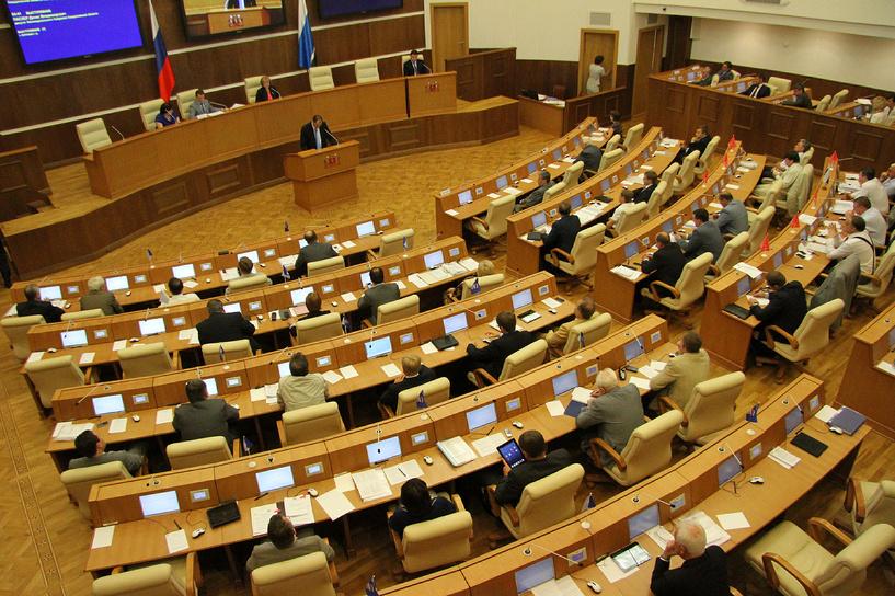 Бизнесменам запретят использовать без разрешения российский триколор и георгиевские ленты