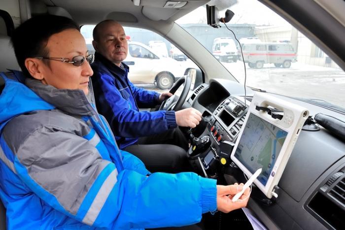 Все «неотложки» в Омской области будут оснащены планшетами до 25 сентября
