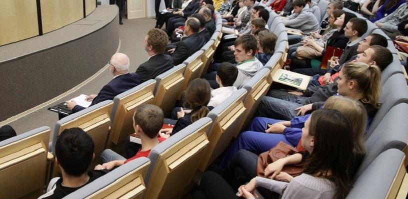 Министр труда заставит вузы платить пособия выпускникам-неучам