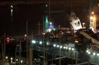 В порту Генуи контейнеровоз врезался в диспетчерскую вышку