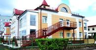 В Омске открылся новый детский сад с кабинками для одежды с подогревом