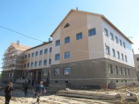 В недостроенную школу в омском «Кристалле» уже набирают школьников