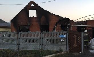 О семье из Калачинска, где при пожаре погибли четверо детей, говорили как о любящей и доброй