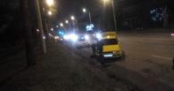 Омские автомобилисты массово пробивают колеса на улице Красный Путь