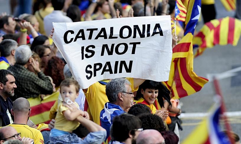 Процесс отделения будет запущен: на выборах в Каталонии победили сторонники независимости от Испании