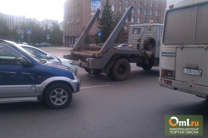 В ДТП в центре Омска попали четыре авто