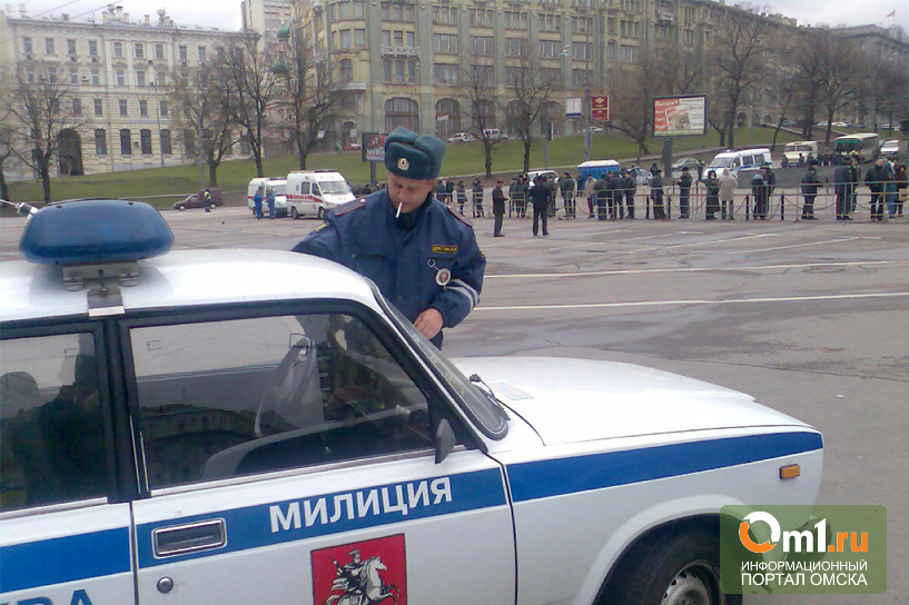 В Омской области двое парней угнали служебный автомобиль ГИБДД