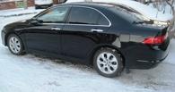 В Омске пьяный работник СТО взял покататься машину клиента и разбил ее