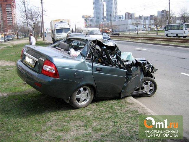 В Омской области столкнулись Mazda5 и Priora