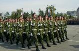 Торжественный марш, рукопашный бой и выстрелы: в Омске прошел Парад Победы