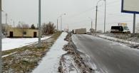 В Омске у «Арены Омск» грузовик перегородил дорогу